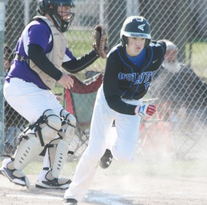 Photo by Keith Stewart Dylan Park takes off for first base last Wednesday.