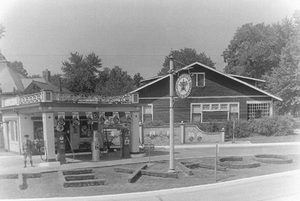Moultrie Moment of the Week                                                    Pictured here is the Texaco Station located on the corner of Harrison St. and Hamilton St. in Sullivan and owned by Buck Fisher. The Dickerson home is located in the background. If you have any other information, please contact the Moultrie County Historical Society at 217-728-4085.