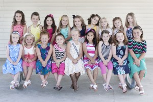 Photo by Doug Cottle Little Miss Mo-Do Contestants The Little Miss Moultrie-Douglas pageant will be held Tuesday, July 8 at 7 p.m. in Arthur. This year's pageant contestants are, from left to right, front row: Addison Wright, Newman; Genevieve Walker, Arthur; Alana Perez, Arthur; Delanie Yantis, Lovington, 2013 Little Miss Mo-Do Addi Erwin, Atwood; Aymara Leal, Arcola; Allyson Abercrombie, Arthur; Karsyn Lyons, Atwood; Halle Wardrip, Lovington. Back row: Haven Hoffman, Tuscola; Danica Bell, Sullivan; Brynlee Moore, Lovington; Kinzie Cleland, Tuscola; Jazmine West, Tuscola; Jorja Lebeter, Arcola; Kathryn Mills, Tuscola; Paislee Lorenzen, Newman; Emeline Greathouse, Arthur.
