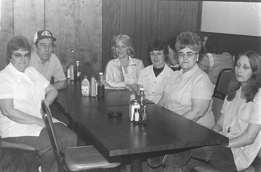 Pictured above are Janet & Joe Dudley, Dottie Utsler, Deloris Pippin, Jean Cruse and Connie Bates at The Bethany Cafe. The year that this photo was taken is unknown. Please submit photos to the News Progress for future consideration. Originals will be saved for return or forwarded to Moultrie County Historical Society. If you have any other information, please contact the Moultrie County Historical Society at 217-728- 4085.
