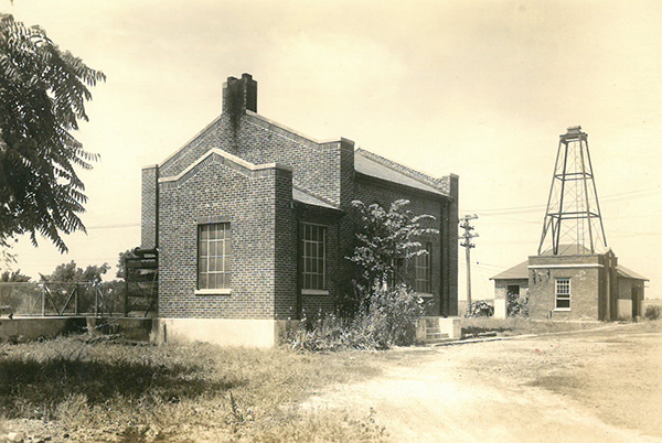 Pictured above is the Sullivan Water Plant. This photo was taken around the 1950's. Please submit photos to the News Progress for future consideration. Originals will be saved for return or forwarded to Moultrie County Historical Society. If you have any other information, please contact the Moultrie County Historical Society at 217-728- 4085.
