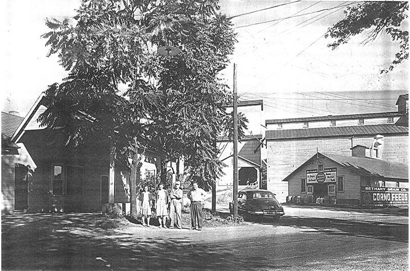 Pictured above is Bethany Grain Co. in Bethany (building at right). The year that this photo was taken is unknown. Please submit photos to the News Progress for future consideration. Originals will be saved for return or forwarded to Moultrie County Historical Society. If you have any other information, please contact the Moultrie County Historical Society at 217-728- 4085.