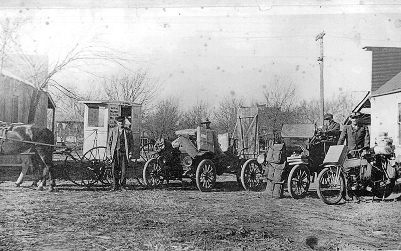 Pictured above is Christmas rush for the rural free delivery in 1915. Please submit photos to the News Progress for future consideration. Originals will be saved for return or forwarded to Moultrie County Historical Society. If you have any other information, please contact the Moultrie County Historical Society at 217-728- 4085.
