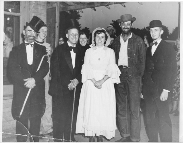 Pictured above is the Centennial Group from 1950. Please submit photos to the News Progress for future consideration. Originals will be saved for return or forwarded to Moultrie County Historical Society. If you have any other information, please contact the Moultrie County Historical Society at 217-728- 4085.