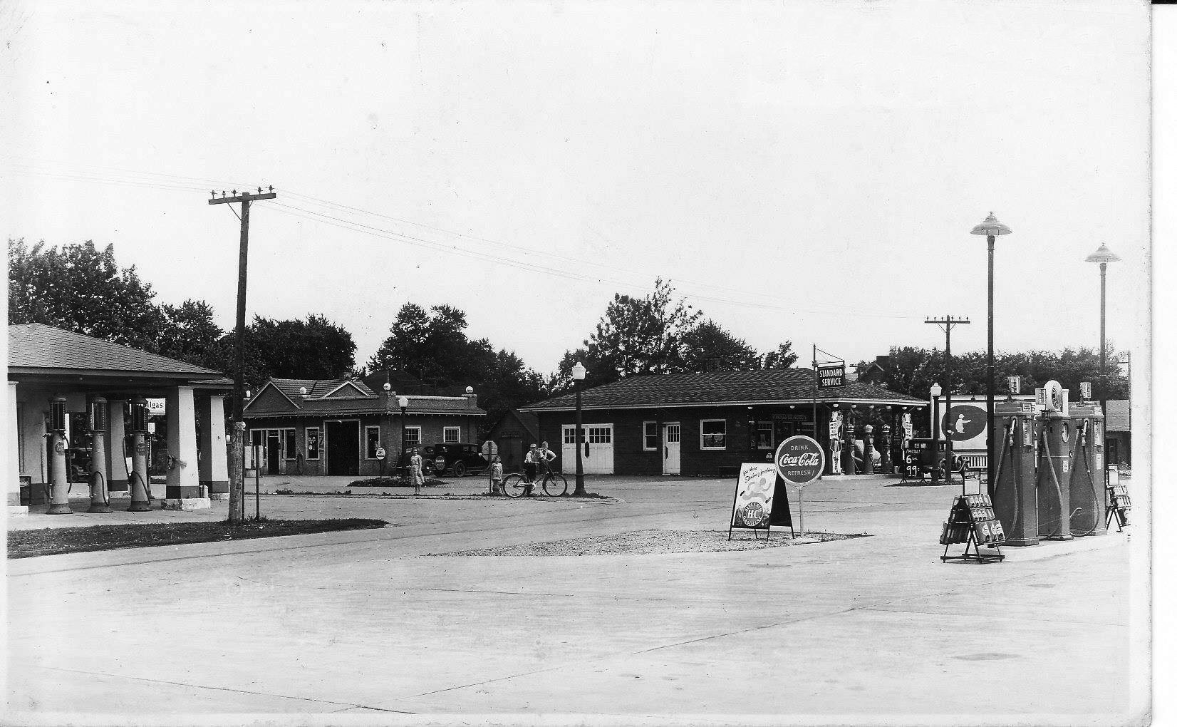 Pictured above is the intersection of Route 32 and State Street in Lovington in the 1930s. The brick Standard Station on the right is where the fire department is now. Many thanks to Vicki Binder for sharing this rare photo.. Please submit photos to the News Progress for future consideration. Originals will be saved for return or forwarded to Moultrie County Historical Society. If you have any other information, please contact the Moultrie County Historical Society at 217-728- 4085.
