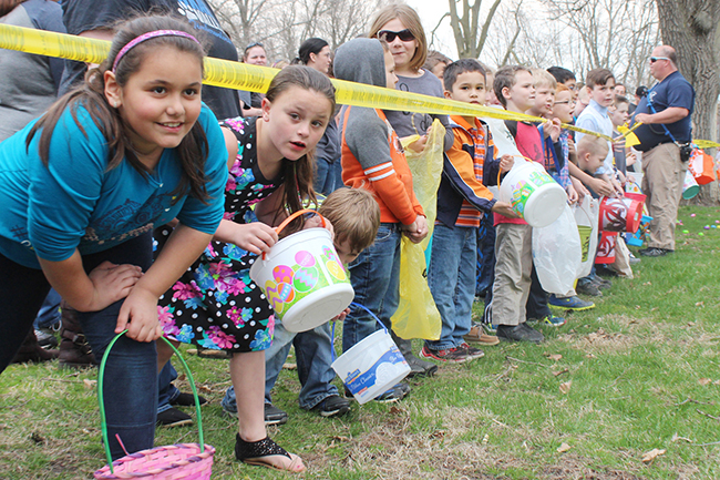 Wyman Park Easter Egg Hunt Draws Huge Crowd The Sullivan Fire District hosted a huge crowd at the Wyman Park Easter Egg Hunt at 3 p.m. Sunday, March 27. In addition they had a grand bicycle give away.  A bicycle was donated to both a boy and a girl in each of the six age groups participating. Bike winners included: 0-1 Faith Whitlow and Beavis Edwards; 2-3 Wesley Murray and Ana Kean; 4-5 Charlie Conlin and Gabby Hutchcraft; 6-7 Leighton Poulos and Wyatt Wehrle; 8-9 Jaiden Beckwith donated her bike to Hannah Kercheval and Ivan Moxley won the boys bike; 10-11 Noah Marlow and Madelyn Neville. Photo by RR Best