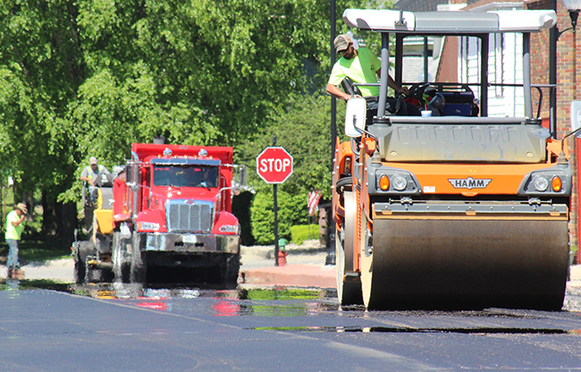 Photo by RR Best Progress on the Square Traffic around the Sullivan square has been challenging lately. Sidewalks are completed and resurfacing the streets downtown are underway. Ne-Co Asphalt of Charleston was awarded the $919,122.30 contract with the city of Sullivan.