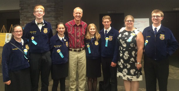 Photo furnished Governor Bruce Rauner welcomed the ALAH FFA (left to right): Katie Gingerich, Colton Romine, Janette Comstock, Governor Rauner, Makenna Green, Adam Day, Wendy Leenerts, and Zane Crist.