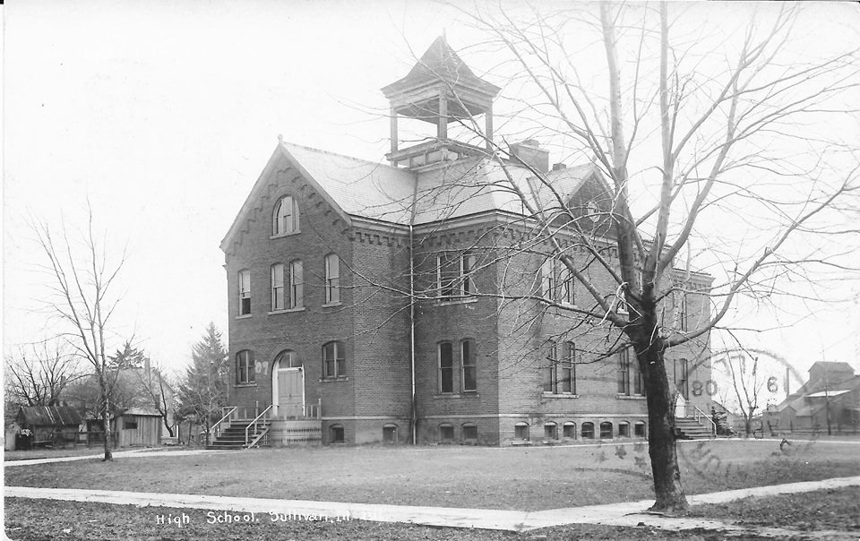 Pictured above is Lowe School in 1908. Lowe School was built as the first stand alone high school. Prior to that, all 12 grades were at old North School. Please submit photos to the News Progress for future consideration. Originals will be saved for return or forwarded to Moultrie County Historical Society. If you have any other information, please contact the Moultrie County Historical Society at 217-728- 4085.